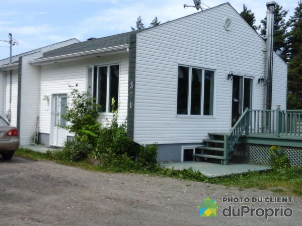 Summer Front - 371 route 132, Capucins for sale