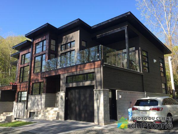 2-206 rue des Deux-Montagnes, Bromont for sale