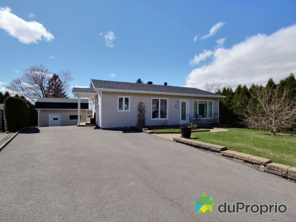 211 rue du Beaujolais, Chicoutimi (Chicoutimi-Nord) for sale