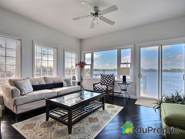 Living Room - 1654 rue Notre-Dame, Montebello for sale