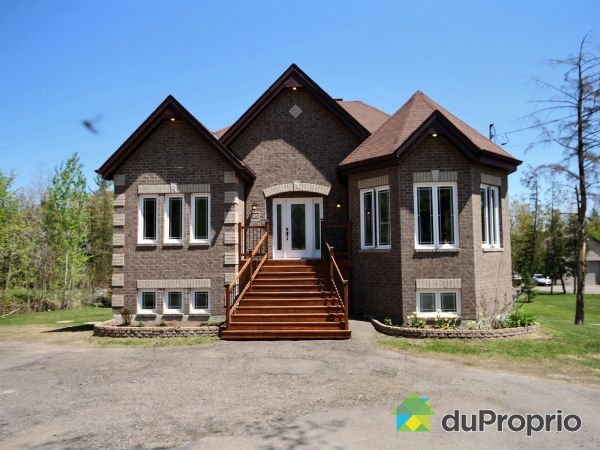 95 rue Mitchell, Val-Des-Monts for sale