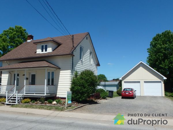 Summer Front - 401 rue Notre-Dame, Ste-Thecle for sale