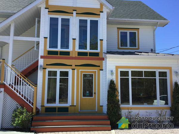 Buildings - 16 rue Bellevue, Tadoussac for sale