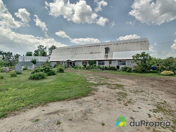 Grange - 131, chemin Prophet Est, Grenville-sur-la-Rouge à vendre