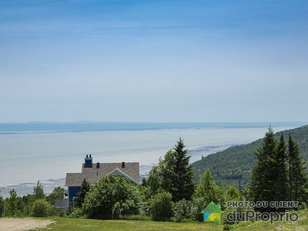18 chemin du Versant, Petite-Rivière-St-François for sale