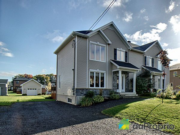 Summer Front - 180 rue du Plateau, Neuville for sale