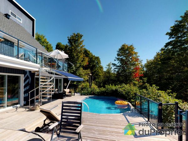 Pool - 230 chemin des Granites, Lac-Beauport for sale