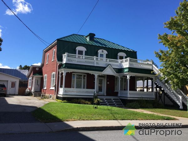Summer Front - 1631 avenue Saint-Louis, Plessisville for sale