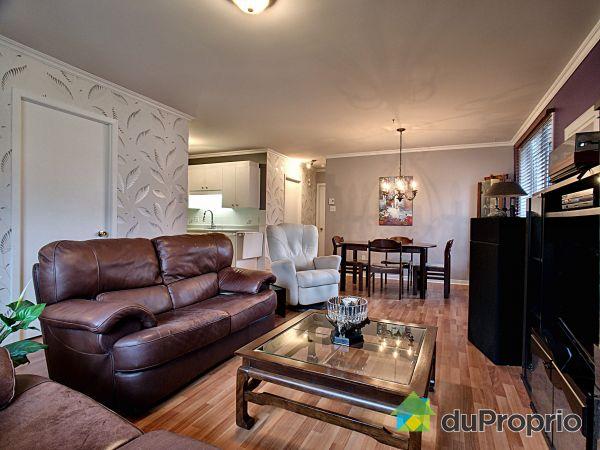 Salon / Salle à manger - 12551, boulevard Saint-Claude, Neufchatel à vendre