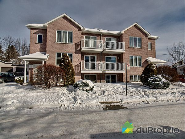 127-129-131-133-134-137, rue Jarry, McMasterville for sale
