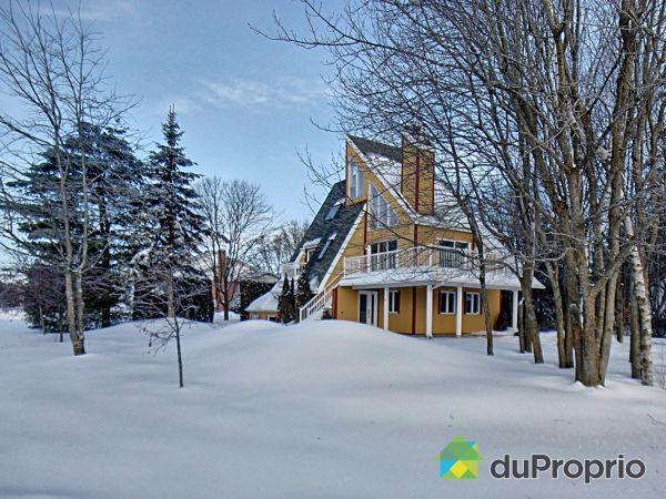 Winter Front - 55 rue de Grandpré, St-Charles-Borromée for sale