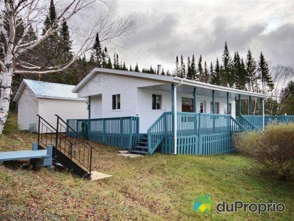 163 chemin de la Pointe du Bonhomme, Lac-Bouchette for sale