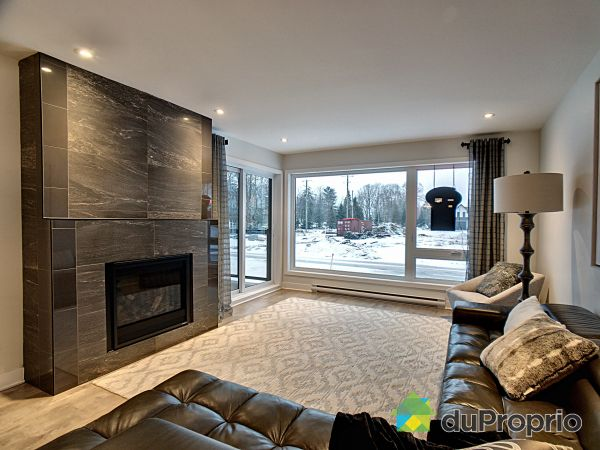 Living Room - 50 rue de l'Aigle, Bromont for rent