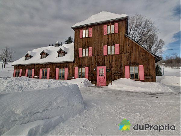 439 côte Sainte-Anne, Ste-Anne-de-Beaupré for sale
