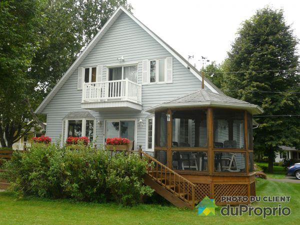 Summer Front - 64 avenue Lanouette, Champlain for sale
