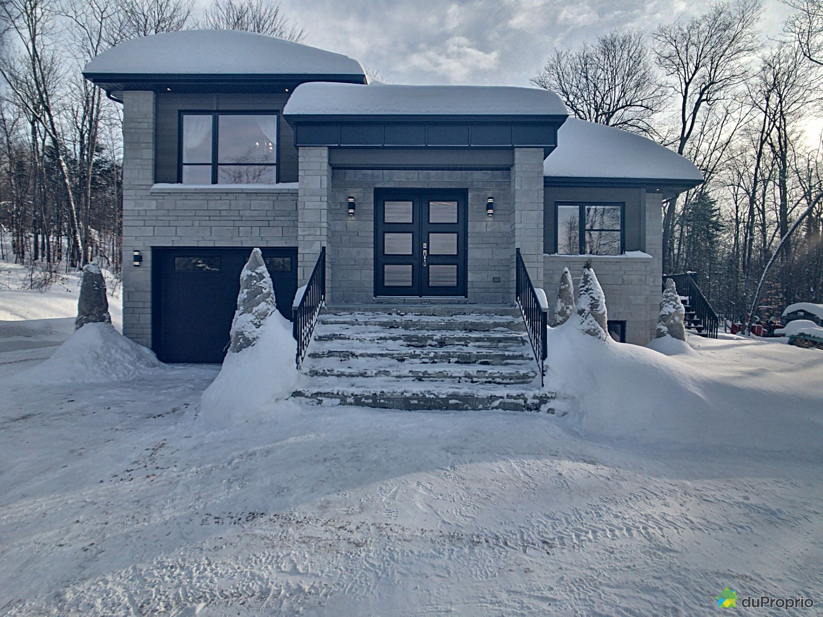 Winter Front - 1 rue Allan, Brownsburg-Chatham for sale