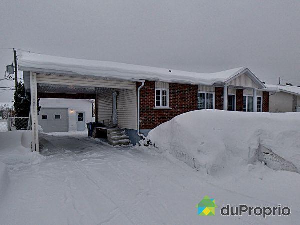Winter Front - 741 rue Gravel, St-Honore-De-Chicoutimi for sale