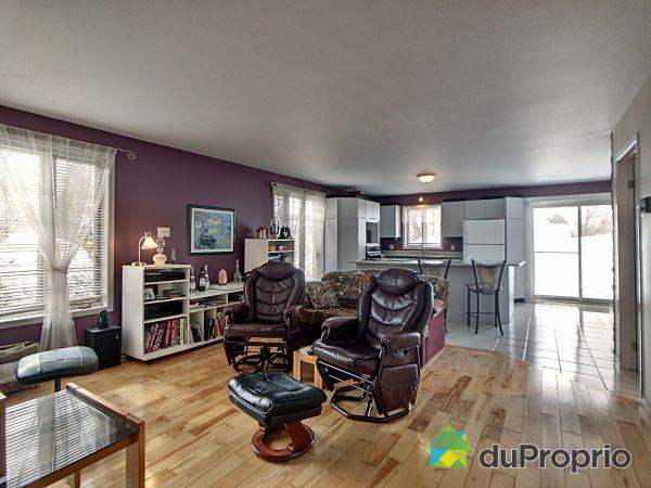 Living Room - 185 3e Rang Ouest, St-Marc-Des-Carrières for sale