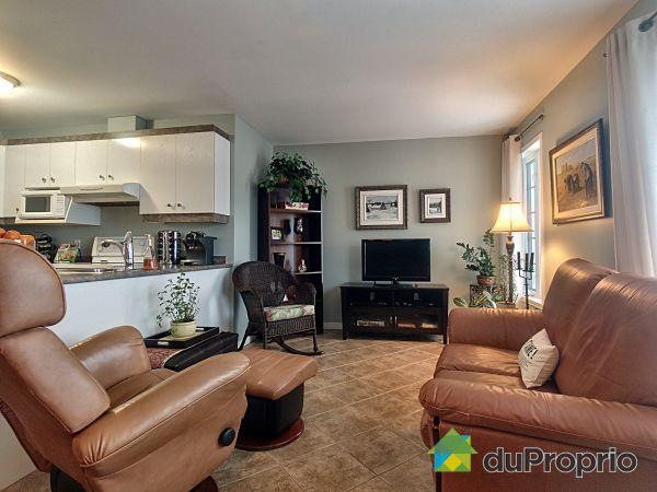 Living Room - 4134 rue Blain, Neufchatel for sale