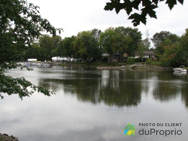 Vue sur rivière - 71-73, chemin du Tour, Ste-Dorothée (Îles-Laval) à vendre