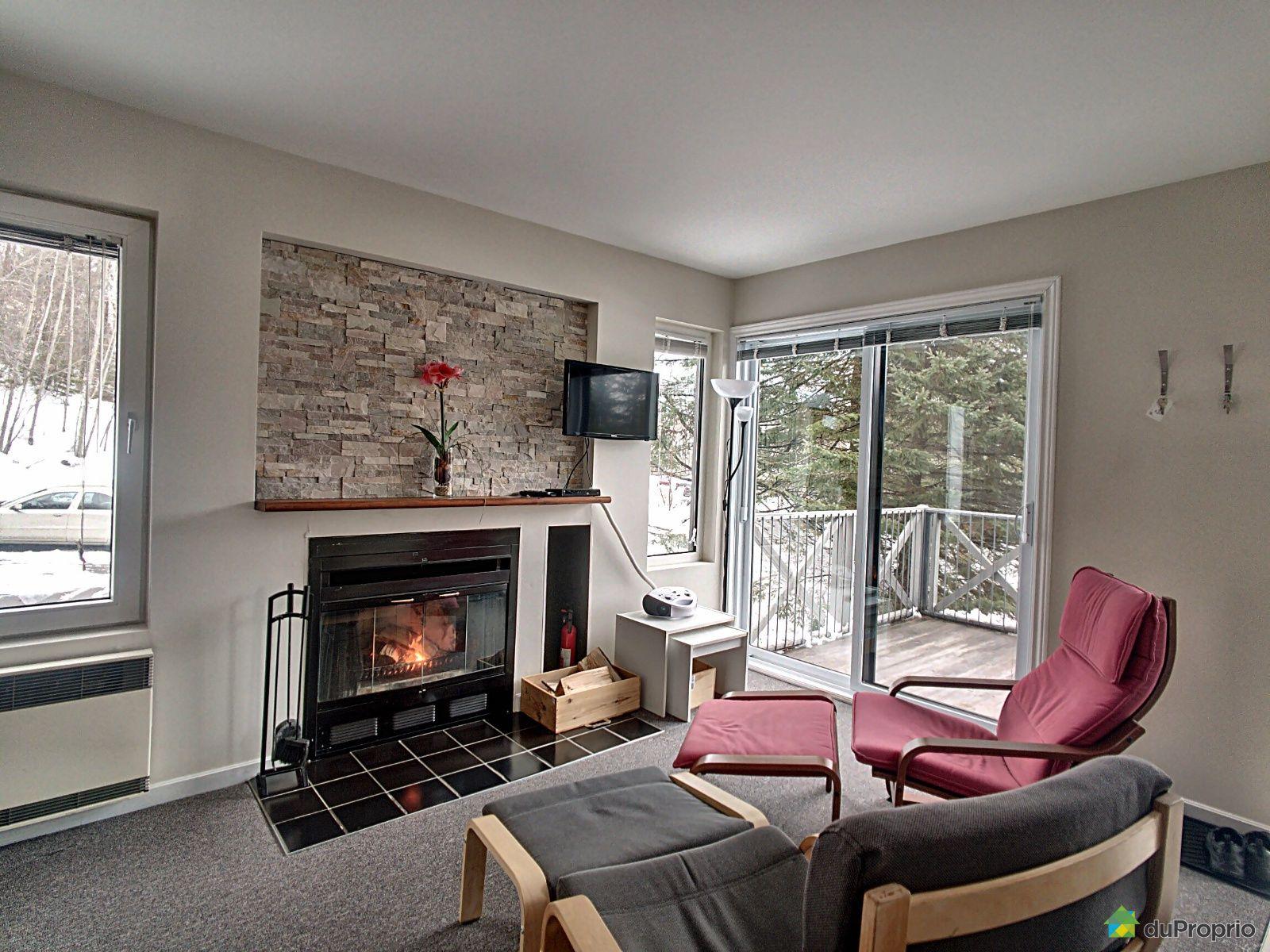 Fireplace - 212-285 chemin des Faitières, Piedmont for sale
