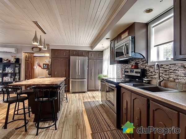 Kitchen - 965 rue Saint-Joseph, Valcourt for sale