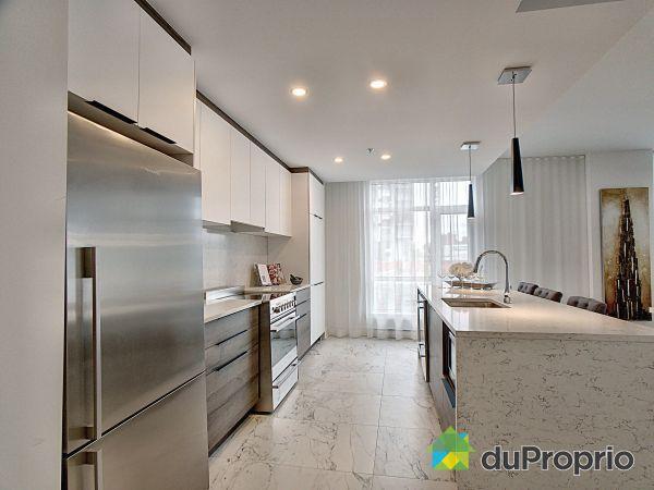 Kitchen - VIVA Phase 5 - Unité E-204 - 2855, avenue du Cosmodôme - PAR ALTA-SOCAM, Chomedey for sale