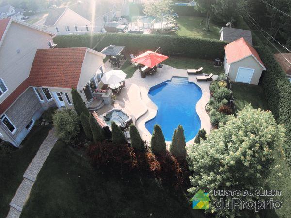 Pool - 9 rue Marcelle-Ferron, St-Charles-Borromée for sale