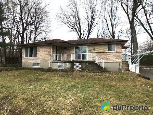 293 45e Avenue, Pointe-Calumet for sale