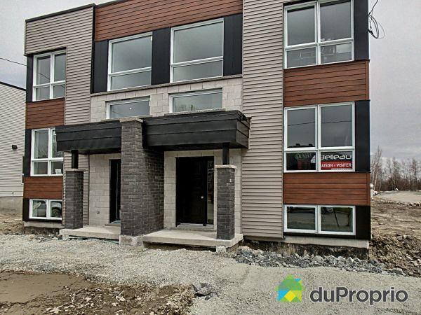 849, rue Henri IV - Cité de la tour - Par les Constructions Christian Belleau, Sherbrooke (Rock Forest) à vendre