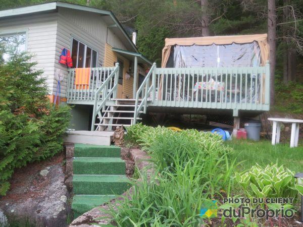 Summer Front - 1080 chemin du Lac-Winnetou, St-Remi-D'Amherst for sale