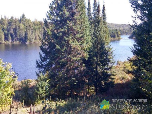 Bord de l'eau - 9220, chemin du Lac Kiamika, Rivière-Rouge (Ste-Véronique) à vendre