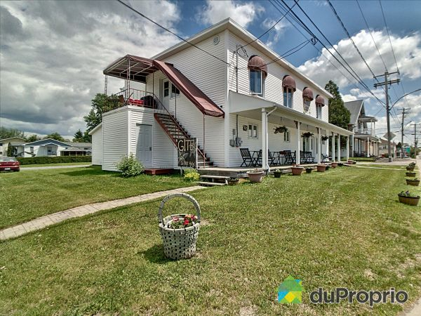 137 rue Saint-Jean, Ste-Monique-Lac-St-Jean for sale