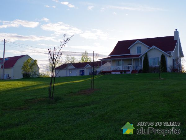 Summer Front - 104 4E Rang, St-Joseph-De-Lepage for sale