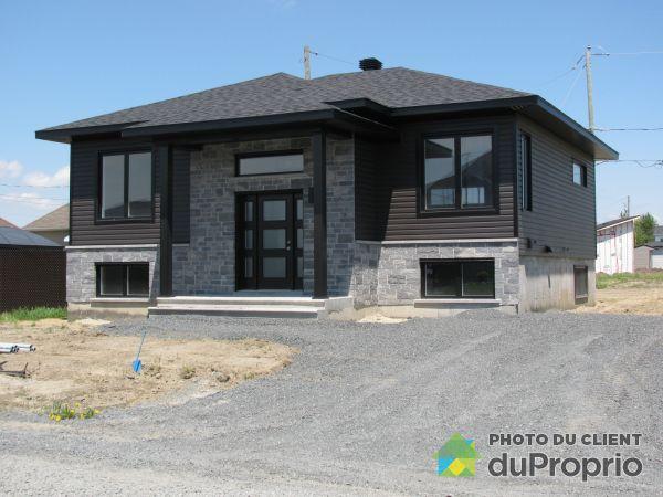 Modèle à construire - Par les Habitations André Lemaire, Drummondville (Drummondville) for sale