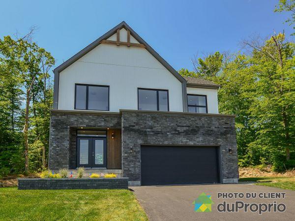 483, rue des Villas - Par les Constructions Raymond & Fils, St-Jérôme (Bellefeuille) à vendre