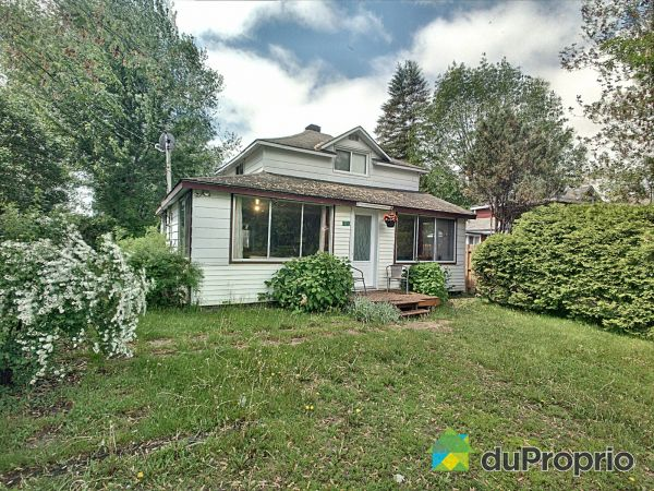 323 16e Avenue, Pointe-Calumet for sale