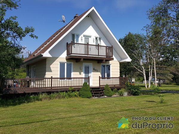 Summer Front - 3411 route Jacques-Cartier, Port-Cartier (Rivière-Pentecôte) for sale