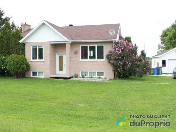 Summer Front - 639 6e Rang, St-Nazaire-Du-Lac-St-Jean for sale