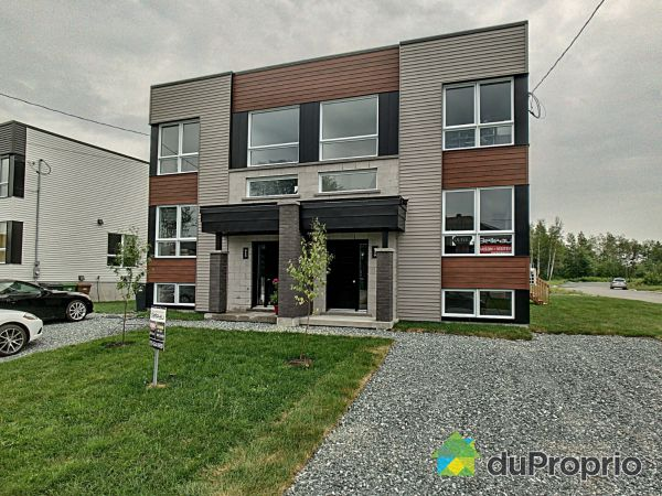 849 rue Henri IV - Cité de la tour - Par les Constructions Christian Belleau, Sherbrooke (Rock Forest) for sale