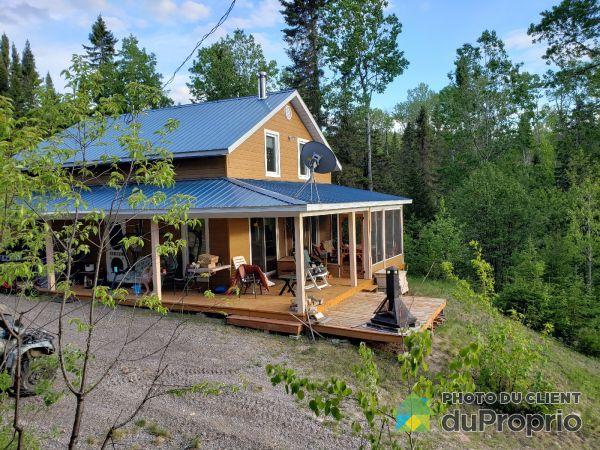 206 chemin des Patriotes, Lac-Bouchette for sale