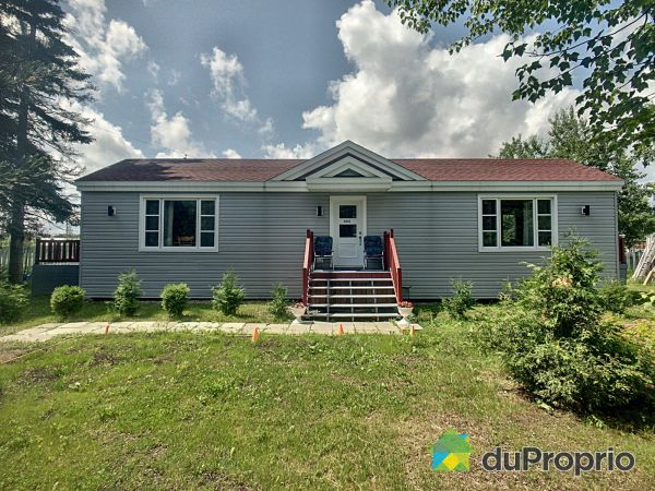 495 rue Marie-Didace, Lac-St-Charles for sale