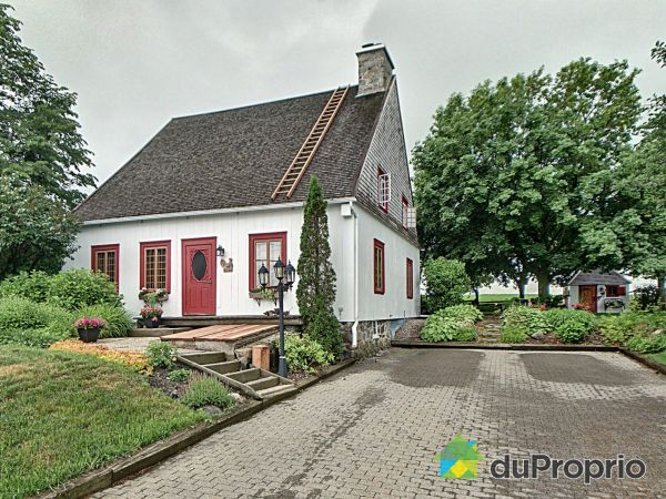 Summer Front - 3113 avenue Royale Est, St-Charles-De-Bellechasse for sale