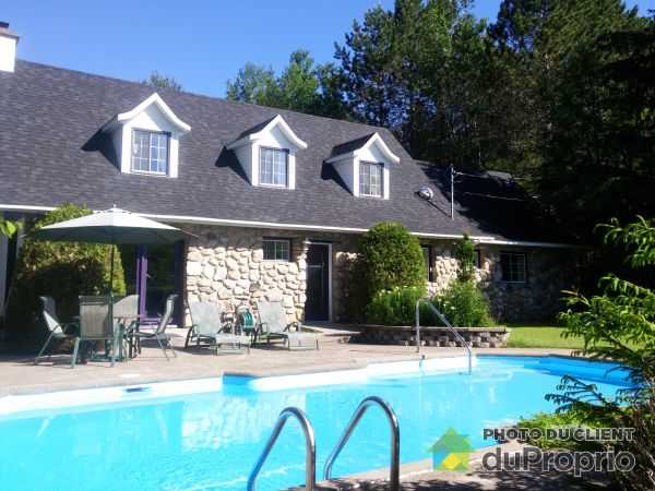 Pool - 72 chemin Lanthier, Lac-Superieur for sale
