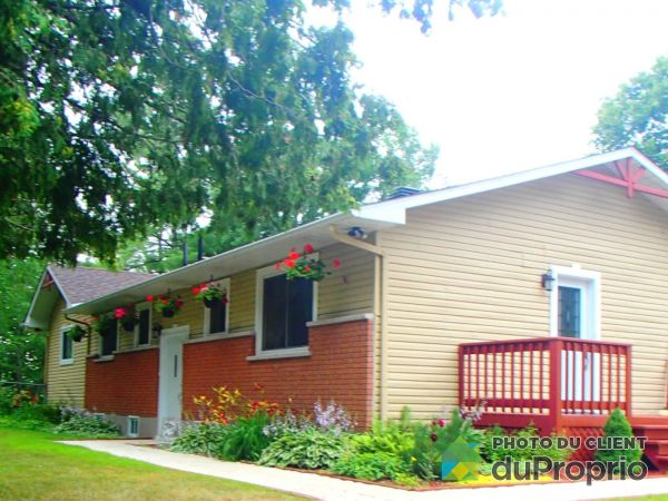 384 rue de Clarendon, Pontiac for sale