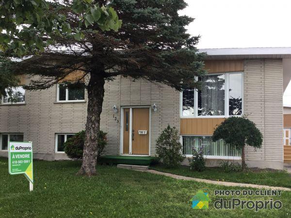 135 avenue Jacques-Cartier, Matane for sale