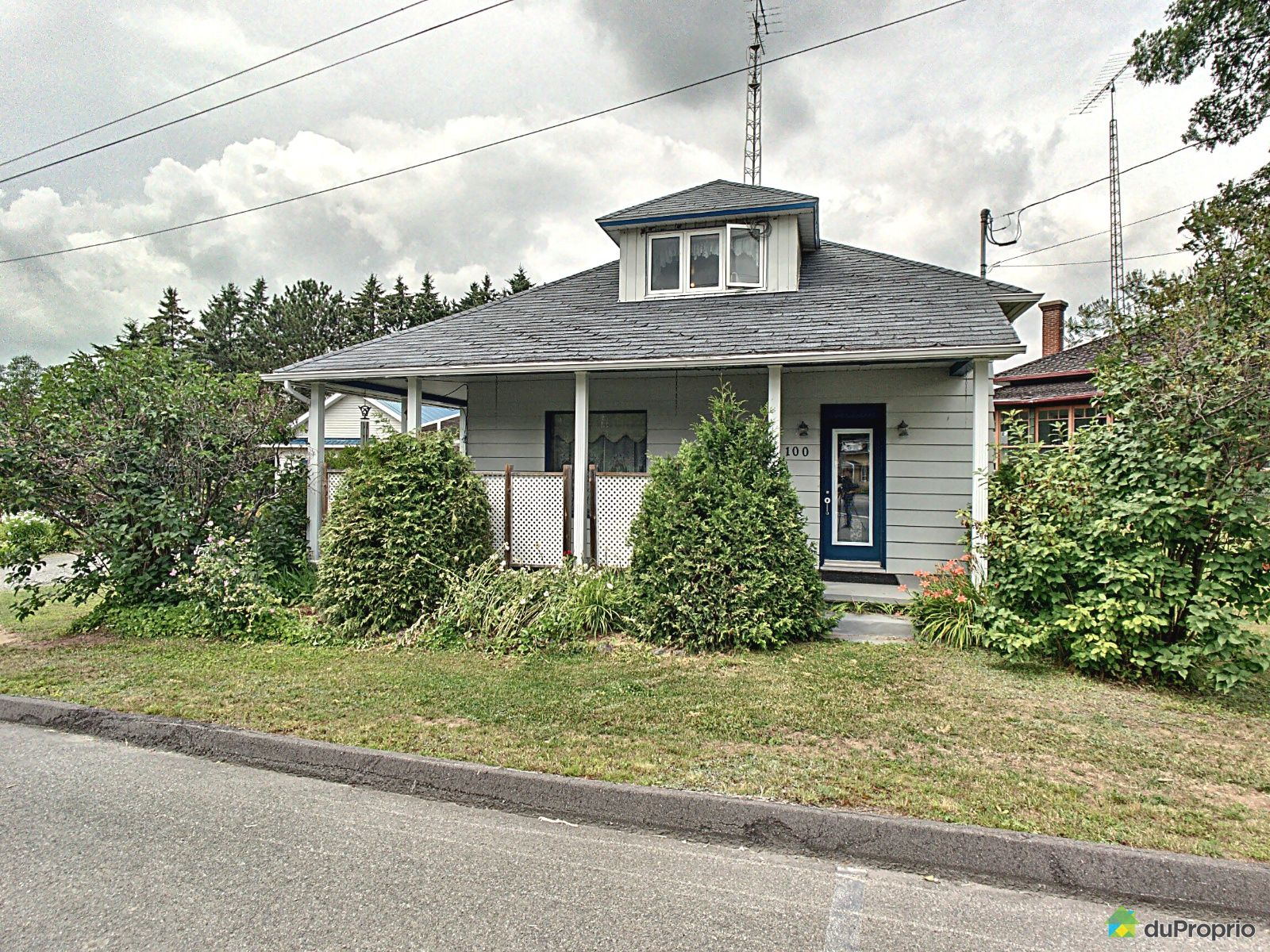 100 rue Saint-Jean, Ste-Thecle for sale