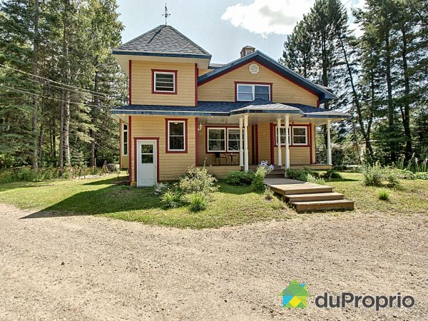 West Side - 37 Route 329, St-Donat for sale