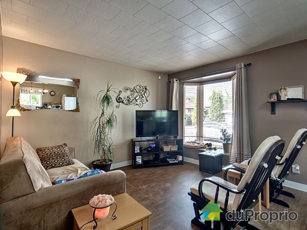 Living Room - 47 rue Sainte-Ursule, Amqui for sale