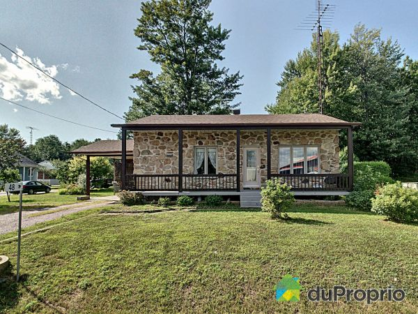 48 route du Canton, Brownsburg-Chatham for sale
